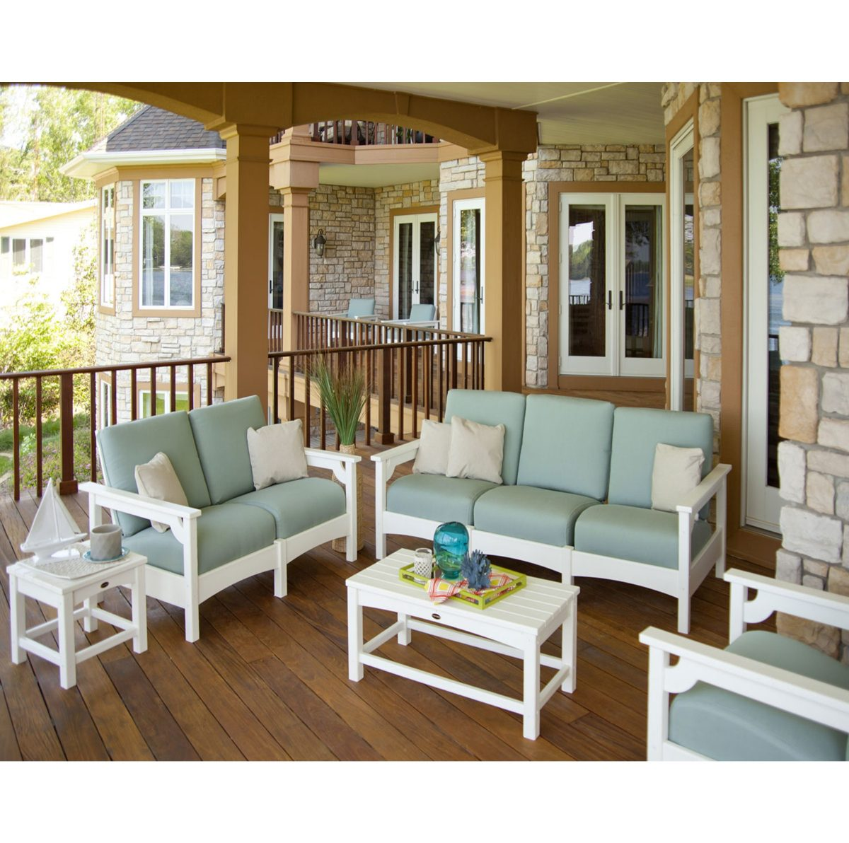 The Best Outdoor Furniture That is Durable and Low Maintenance 1